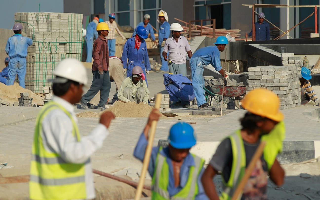العمال فى قطر