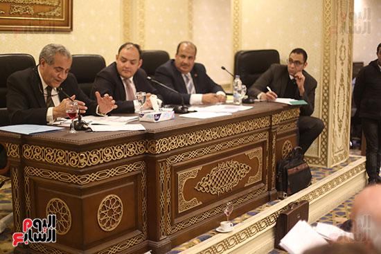 اجتماع لجنة الشئون الاقتصادية (2)
