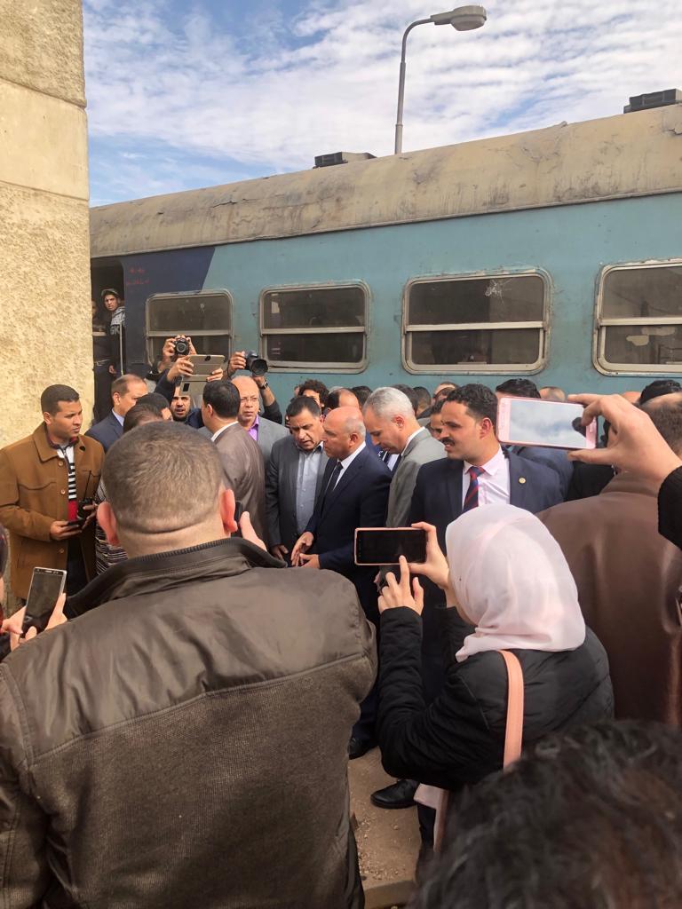 جولة وزير النقل بمحطة مصر  (23)