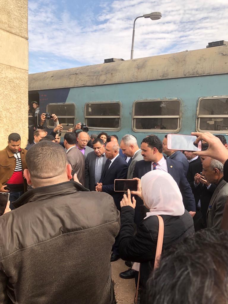 جولة وزير النقل بمحطة مصر  (1)