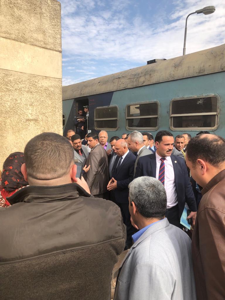 جولة وزير النقل بمحطة مصر  (15)
