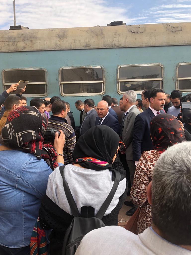 جولة وزير النقل بمحطة مصر  (4)