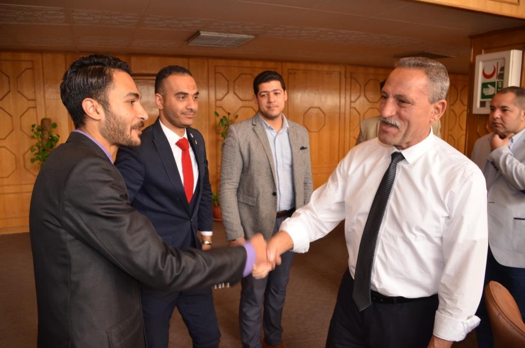 محافظ الإسماعيلية يجتمع بشباب النقابات والجامعات (4)