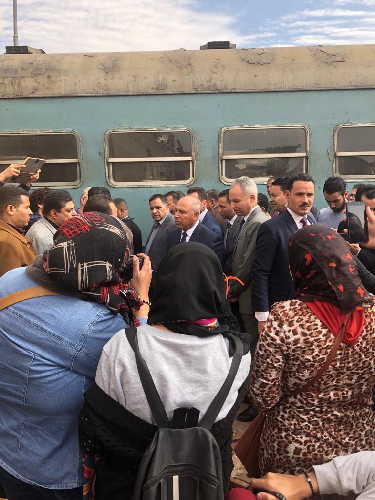 جولة وزير النقل بمحطة مصر  (5)
