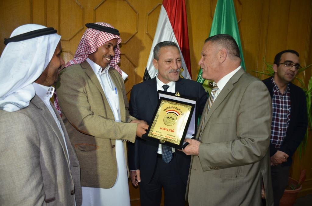 اللواء حمدى عثمان، محافظ الإسماعيلية (11)