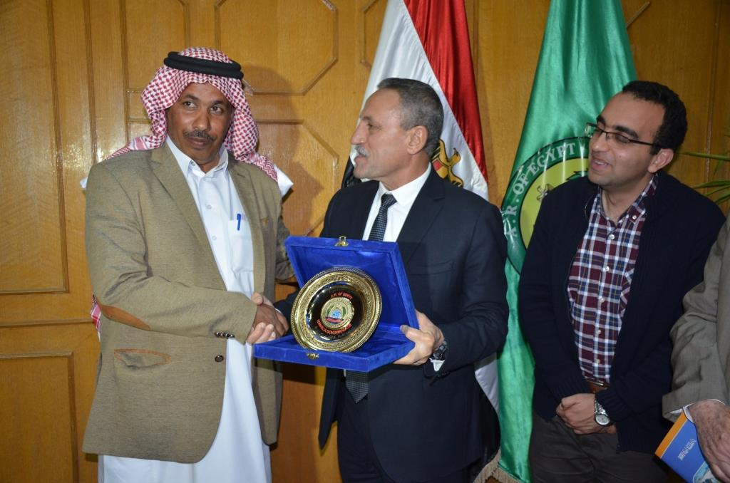 اللواء حمدى عثمان، محافظ الإسماعيلية (10)