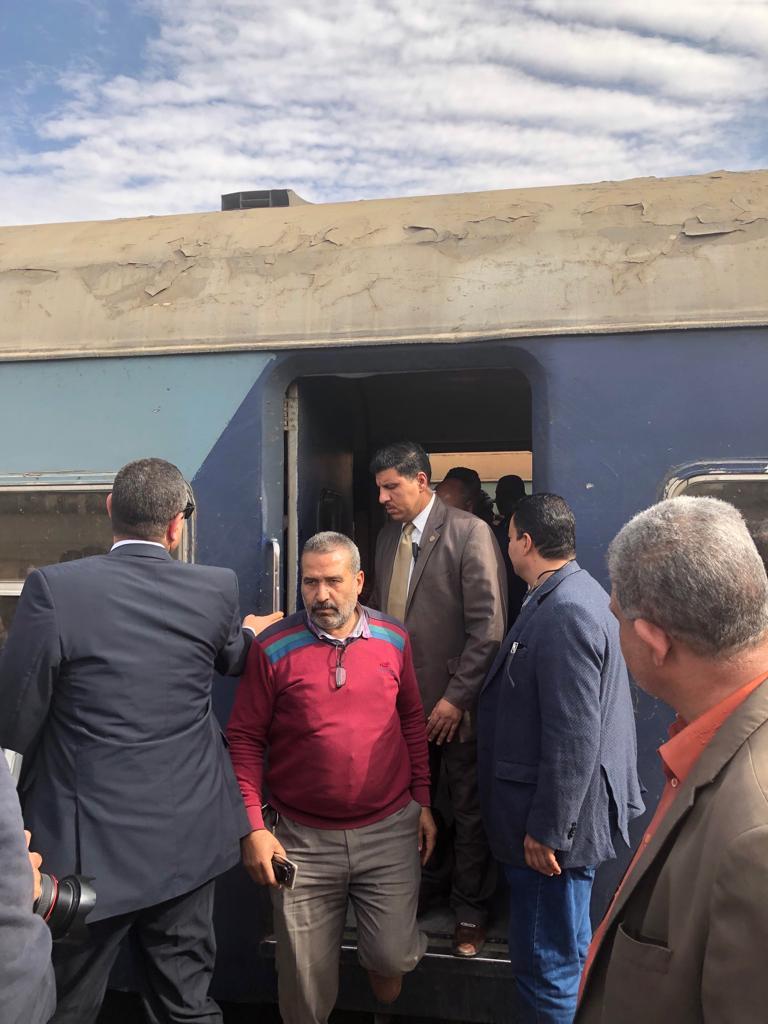 جولة وزير النقل بمحطة مصر  (12)