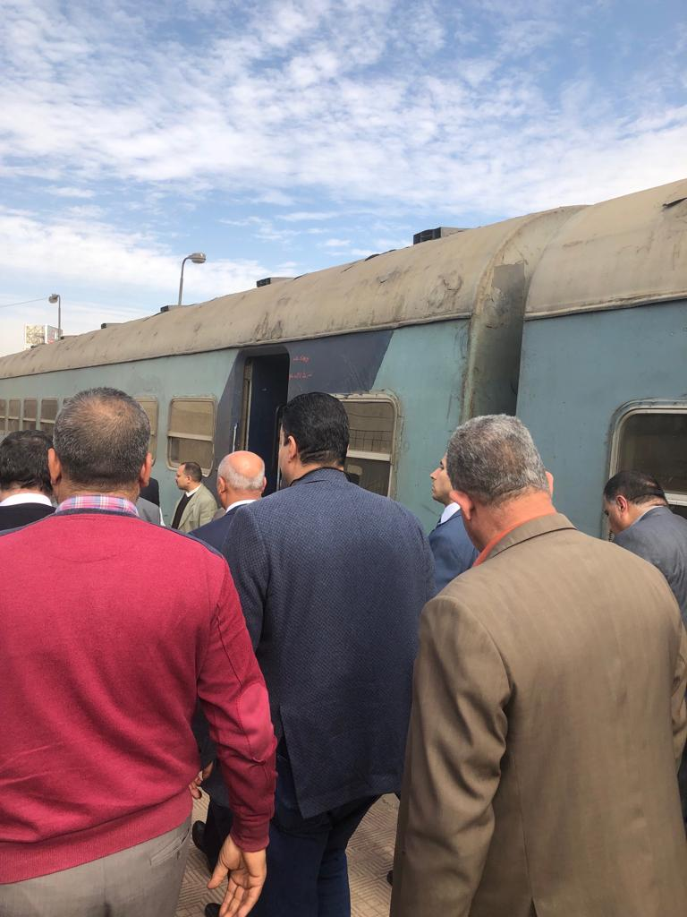 جولة وزير النقل بمحطة مصر  (13)