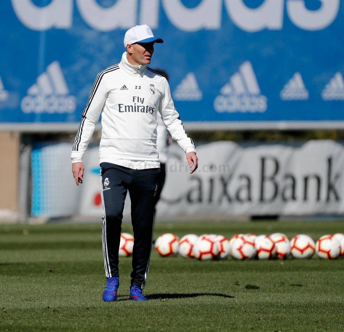 زيدان فى تدريبات ريال مدريد