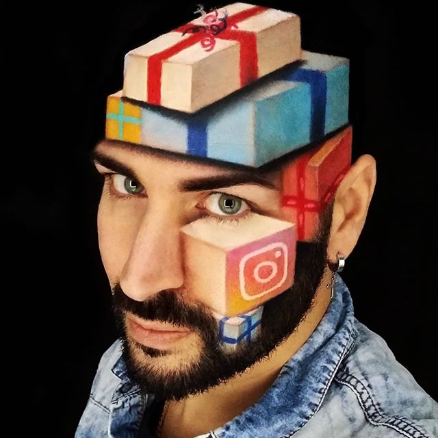 أعلام ورموز تطبيقات على وجهه