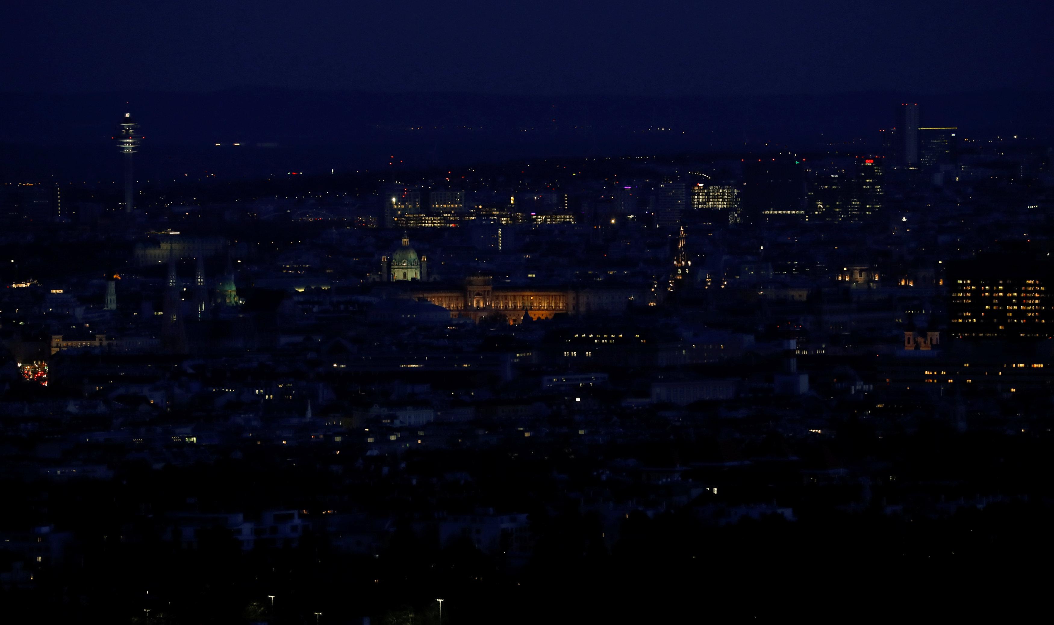 فيينا وقت الظلام تبدو أكثر هدوءا