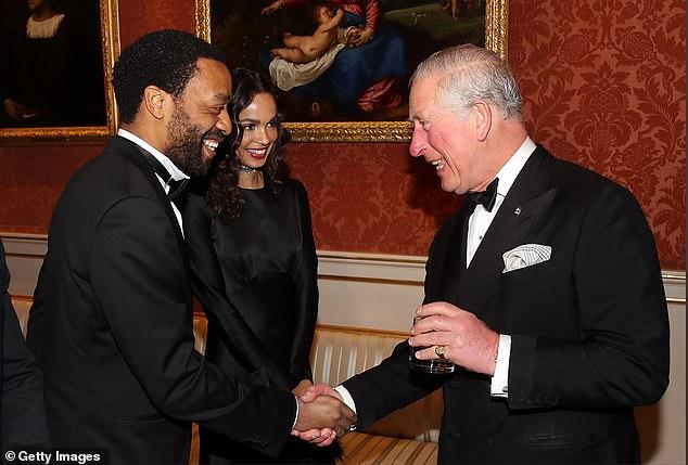 تشيويتل إيجيوفور مع الأمير تشالز