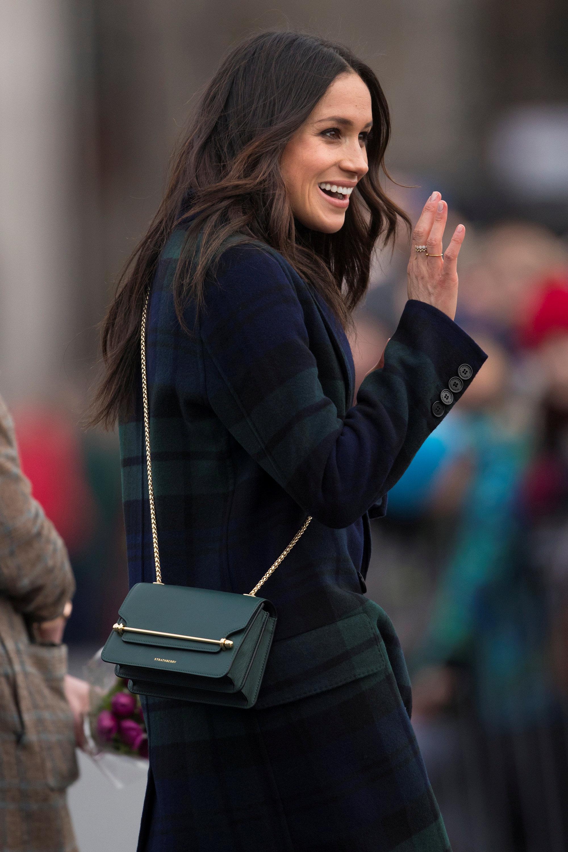 أزياء ميجان تلفت الأنظار بشدة فى بريطانيا