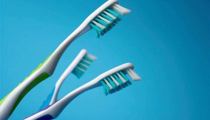 تعقيم فرشاة الاسنان
