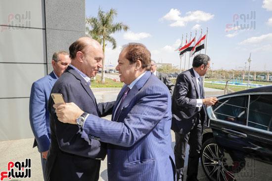 -زيارة-رئيس-الوزراء-للمنطقة-الاقتصادية-لقناة-السويس-(4)