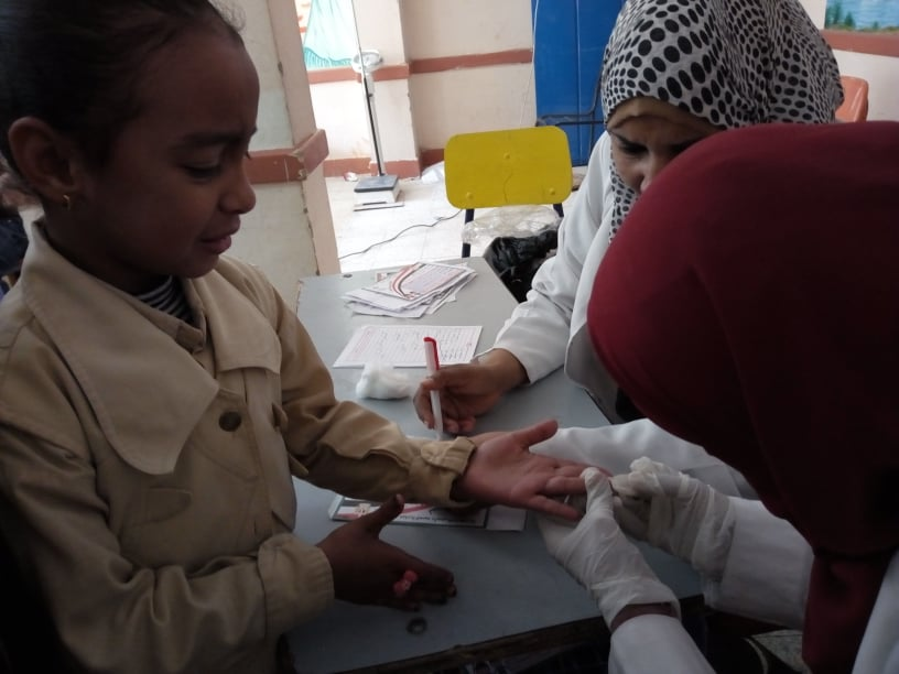 الأقصر تطمئن علي أطفالها بحملات وقوافل ومستشفي عائم (3)