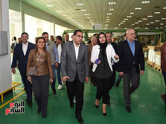 رئيس الوزراء يتابع أعمال المطورين الصناعيين بالمنطقة الاقتصادية لقناة السويس (7)