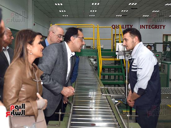 رئيس الوزراء يتابع أعمال المطورين الصناعيين بالمنطقة الاقتصادية لقناة السويس (6)