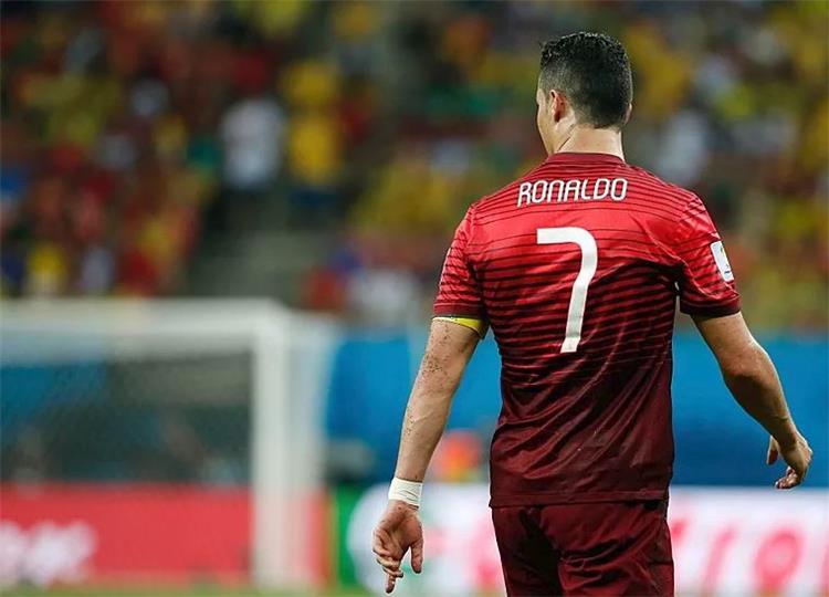 كريستيانو رونالدو بقميص البرتغال