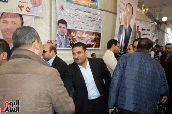 الكاتب الصحفى يوسف أيوب (1)