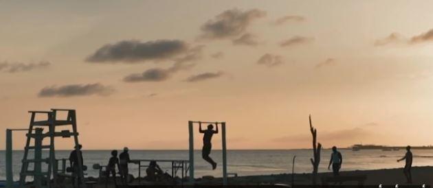 صالة ألعاب رياضية على الشاطىء