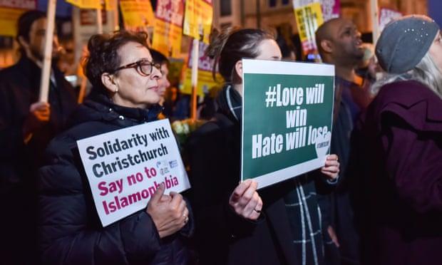 تضامن مع المجتمع الإسلامى فى نيوزيلندا
