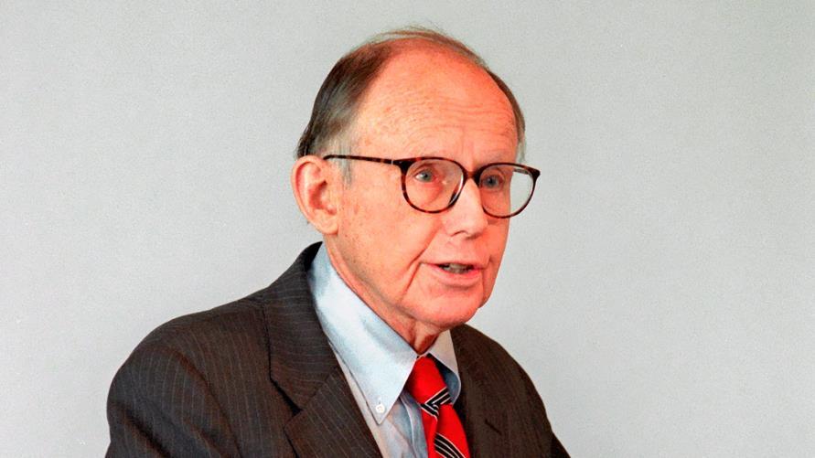 صموئيل هنتنجتون.. صاحب نظرية صراع الحضارات