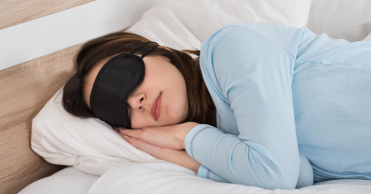 woman-sleeping-with-sleep-mask