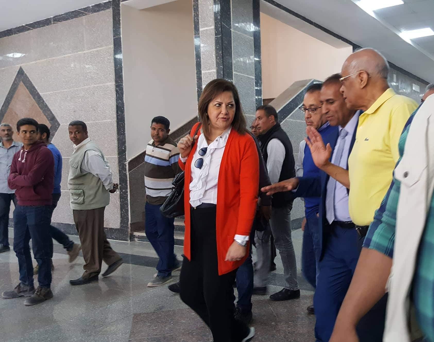 جانب من الزيارة لجامعة اسوان الجديدة (1)