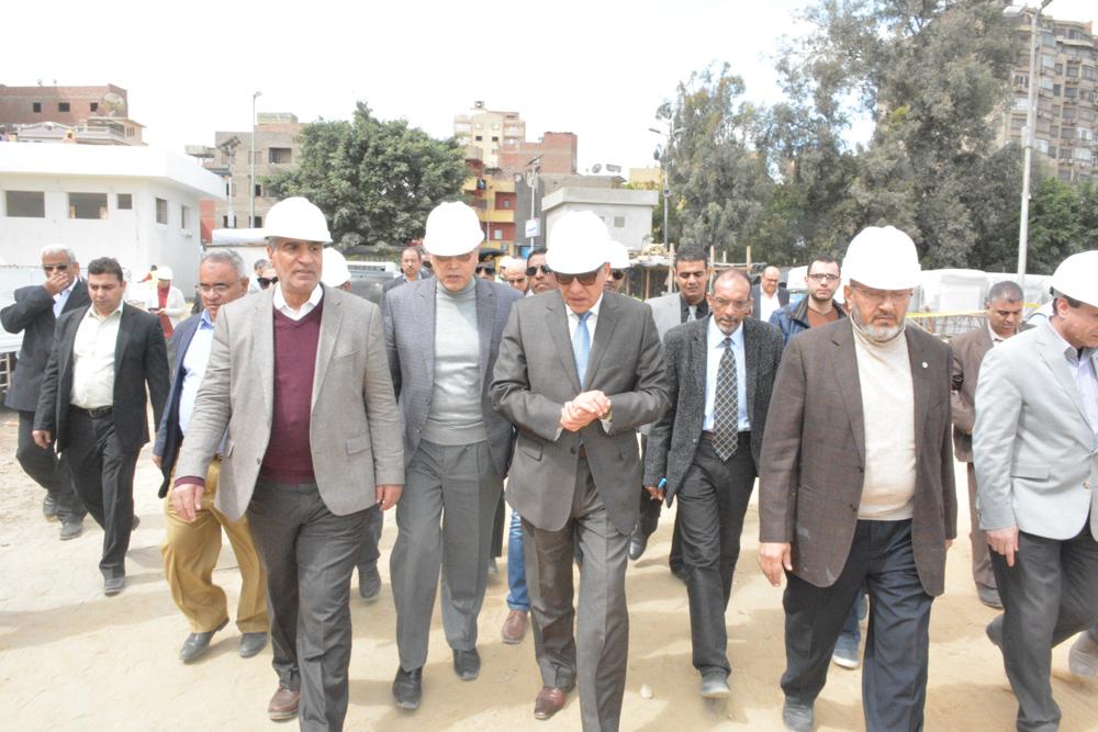 خلال الجولة التفقدية للواء أحمد راشد محافظ الجيزة (3)