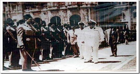 لحظة خروج الملك فاروق من مصر