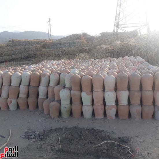 7-صناعة-الفخار-بقرية-الطويرات-بقنا