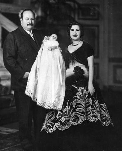 الملك فاروق والملكة ناريمان