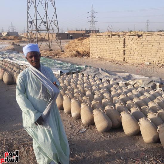 6-عم-محمد-أقدم-صناع-الفخار-القنائى