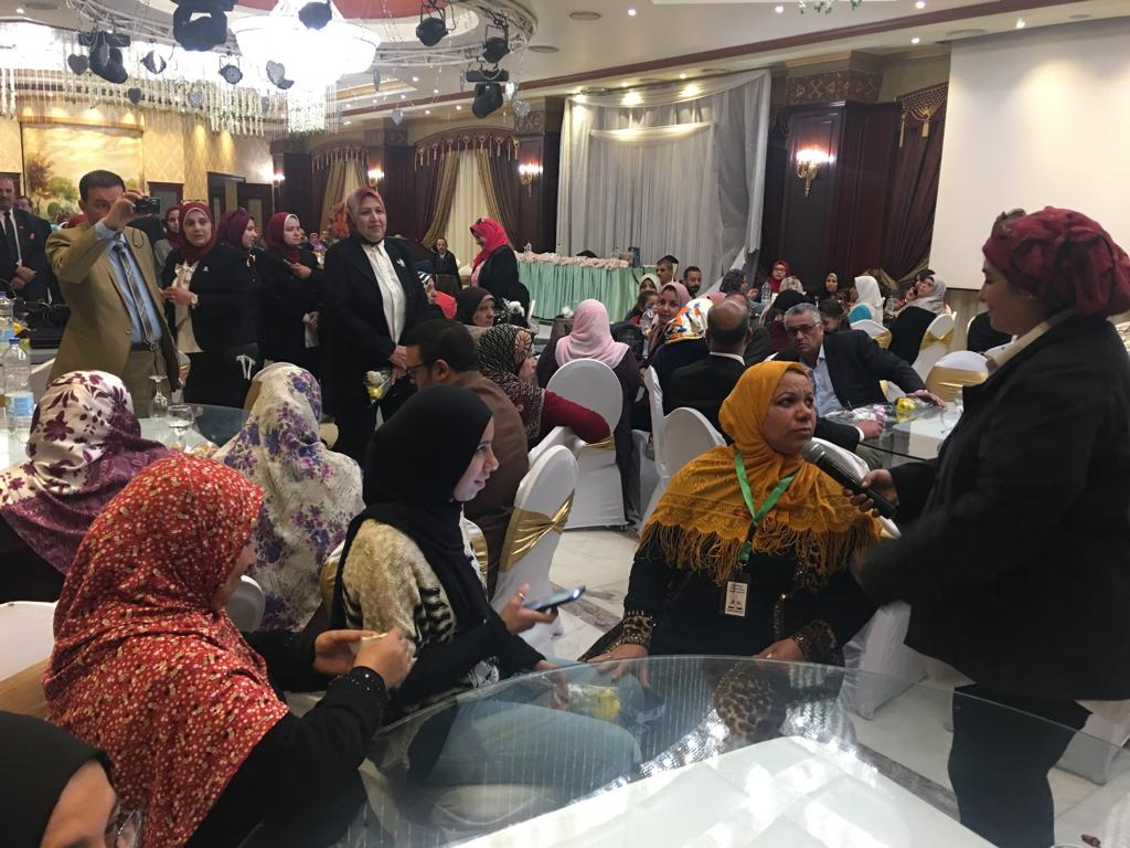 تعليم القاهرة تكرم الأم المثالية والأب من ذوى الإحتياجات الخاصة وأم الشهيد (7)