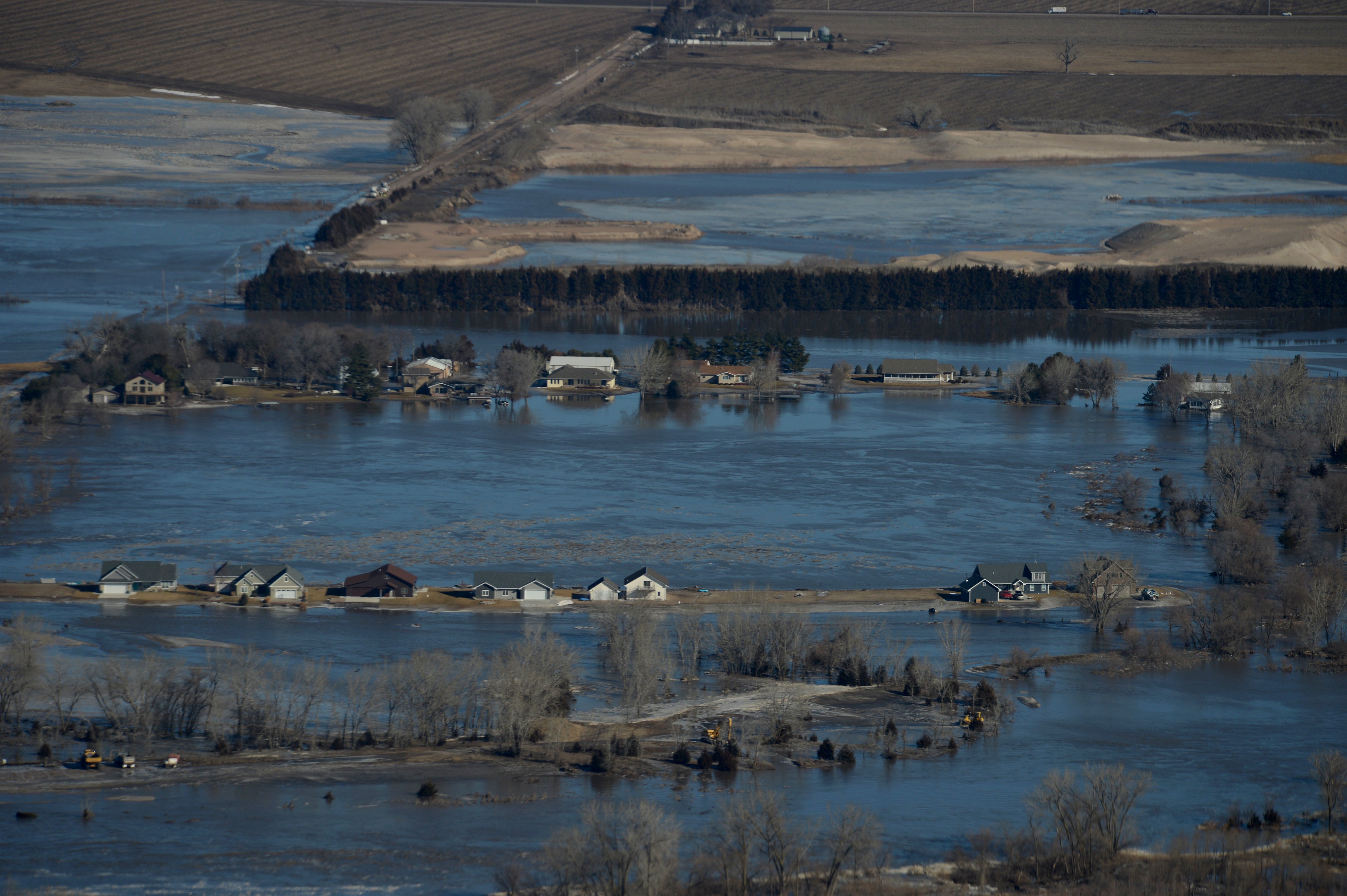 فيضانات (4)
