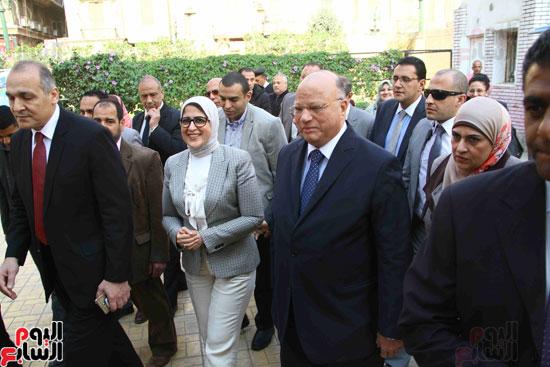وزيرة الصحة تطلق حملة القضاء على الديدان  (2)