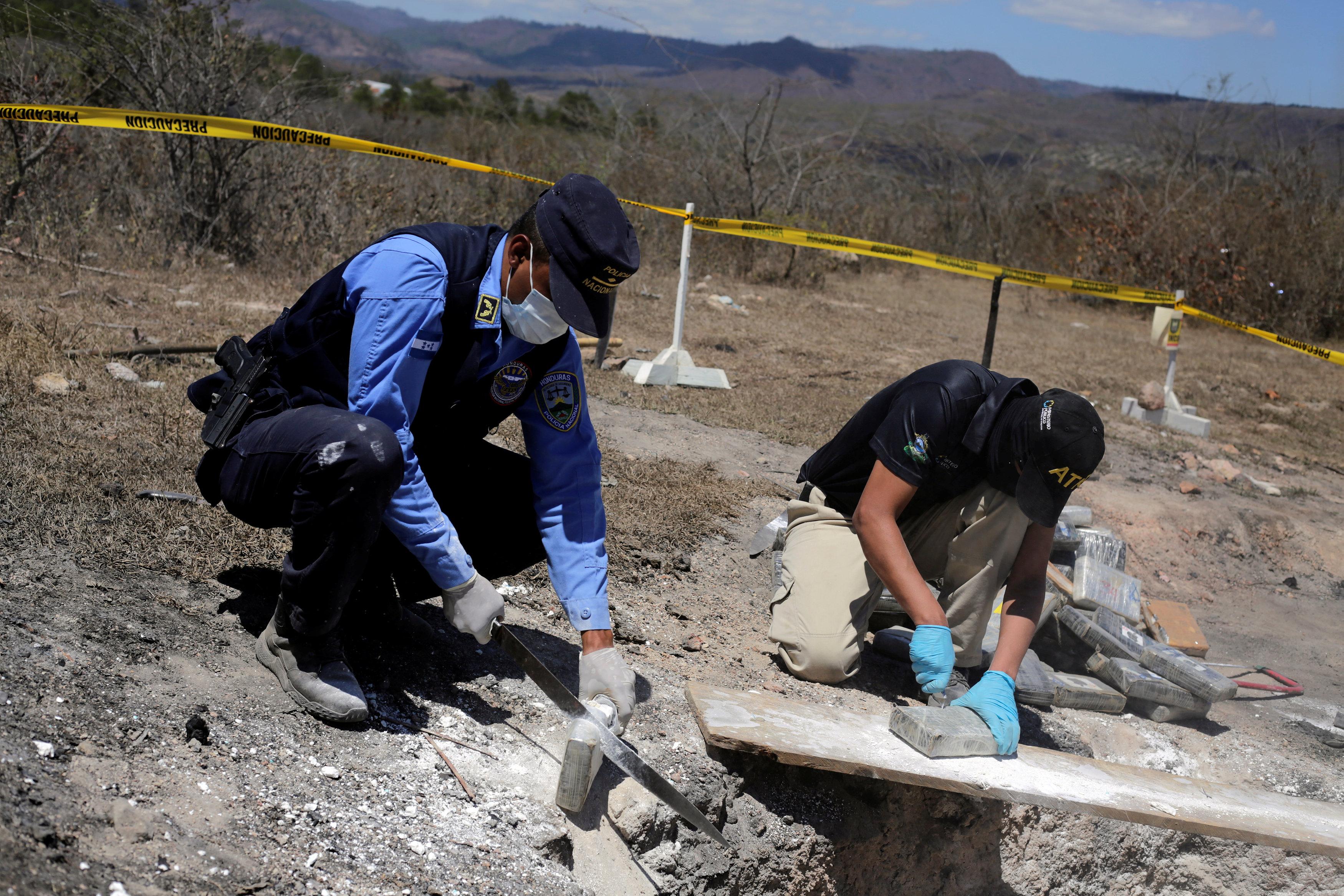تدمير المخدرات فى هندوراس (4)
