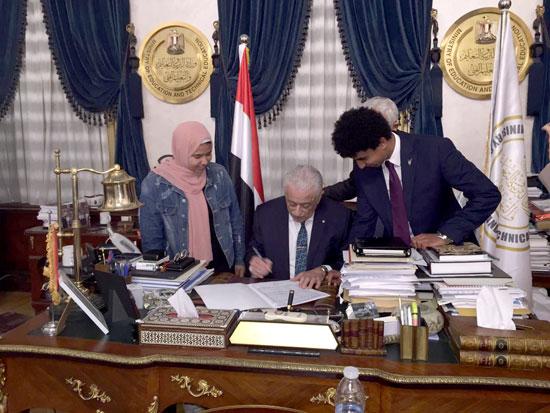 طارق شوقى وزير التربية والتعليم (3)