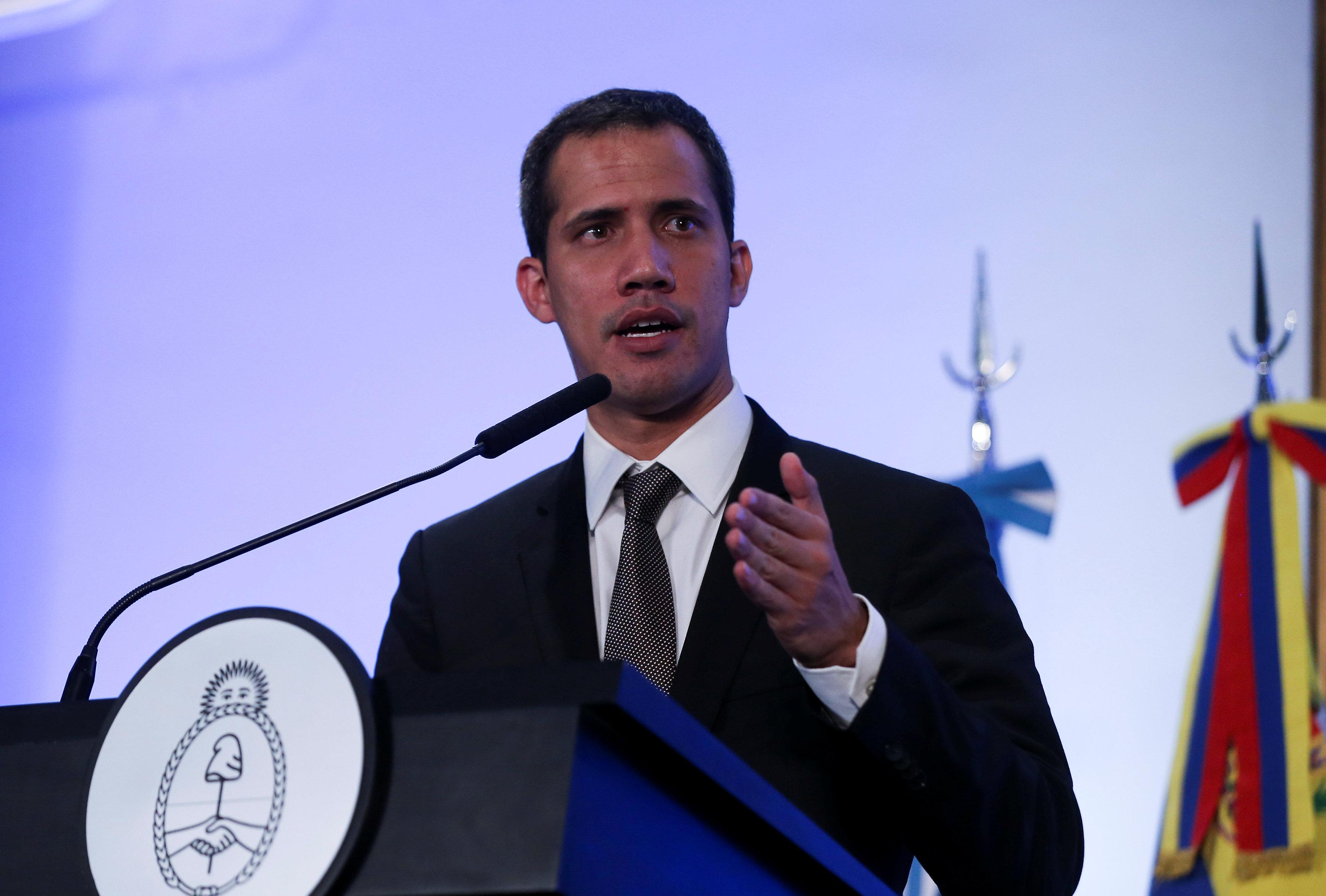 زعيم المعارضة الفنزويلية خوان جوايدو (3)