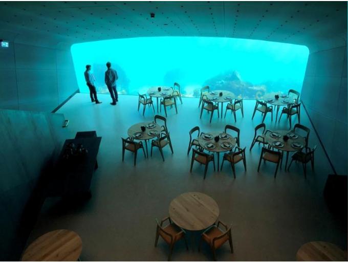أول مطعم تحت الماء فى أوروبا وتحديدا فى النرويج