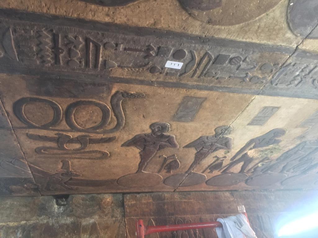 خلال ترميم معبد اسنا (2)