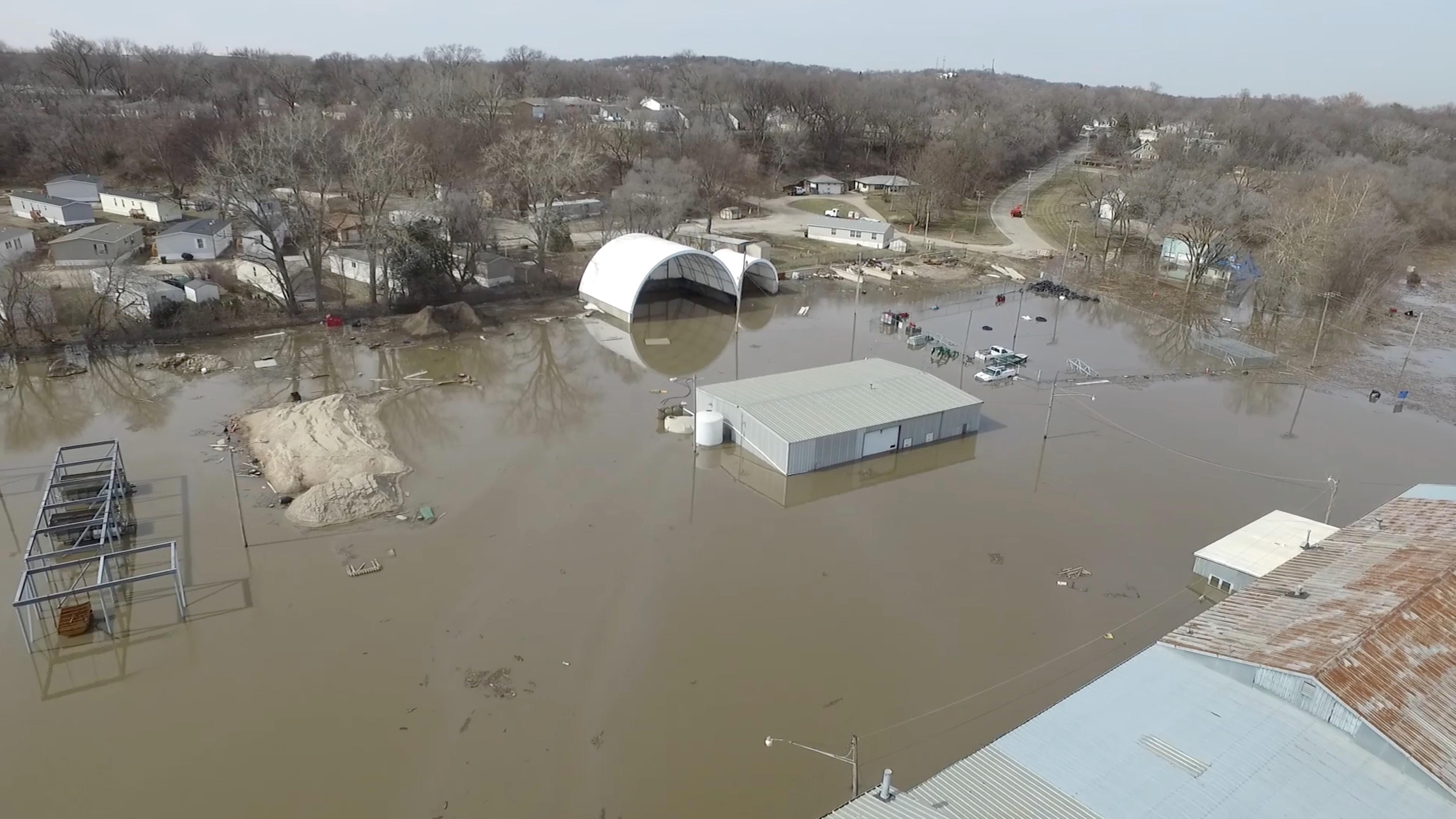فيضانات (1)