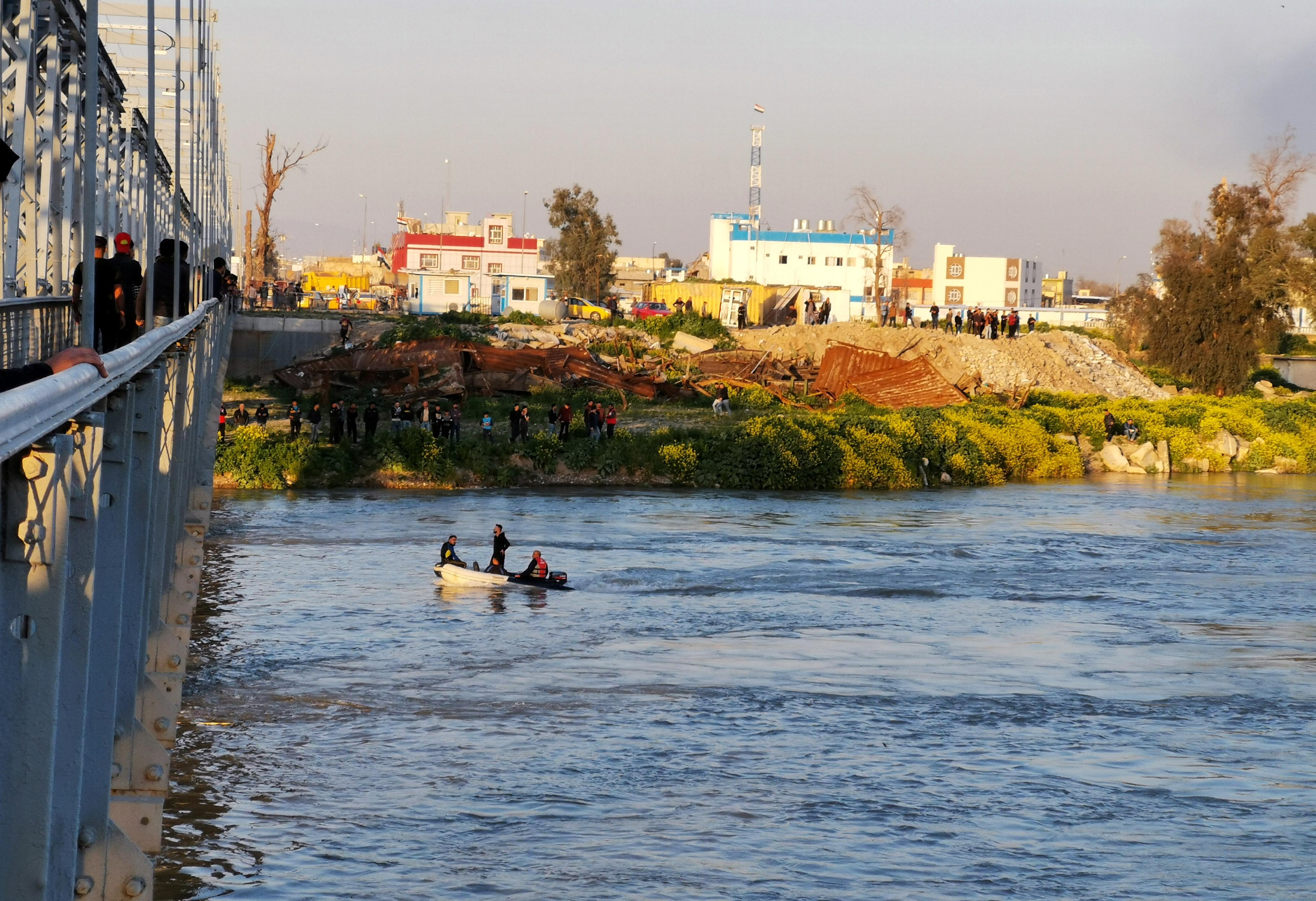 2979650-نهر-الفرات-فى-العراق