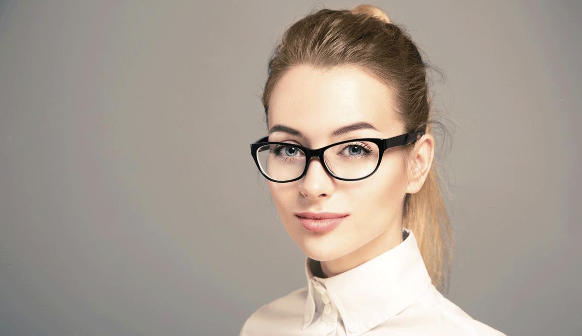 ارتداء نظارة طبية