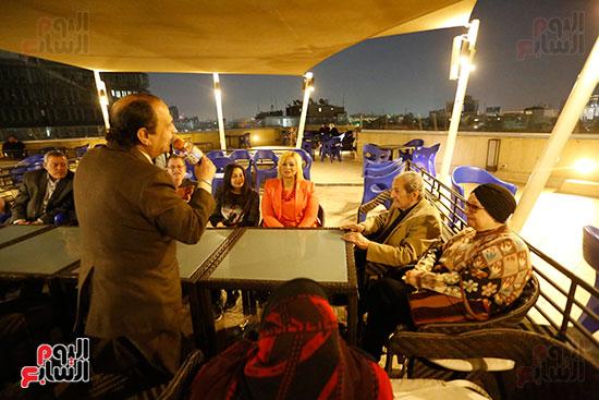 الصحفيون يحتفلون بزواج حسين قدرى (16)
