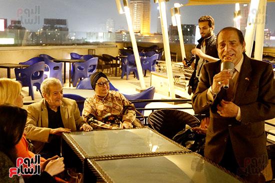 الصحفيون يحتفلون بزواج حسين قدرى (6)