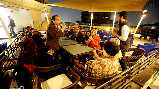 الصحفيون يحتفلون بزواج حسين قدرى (1)
