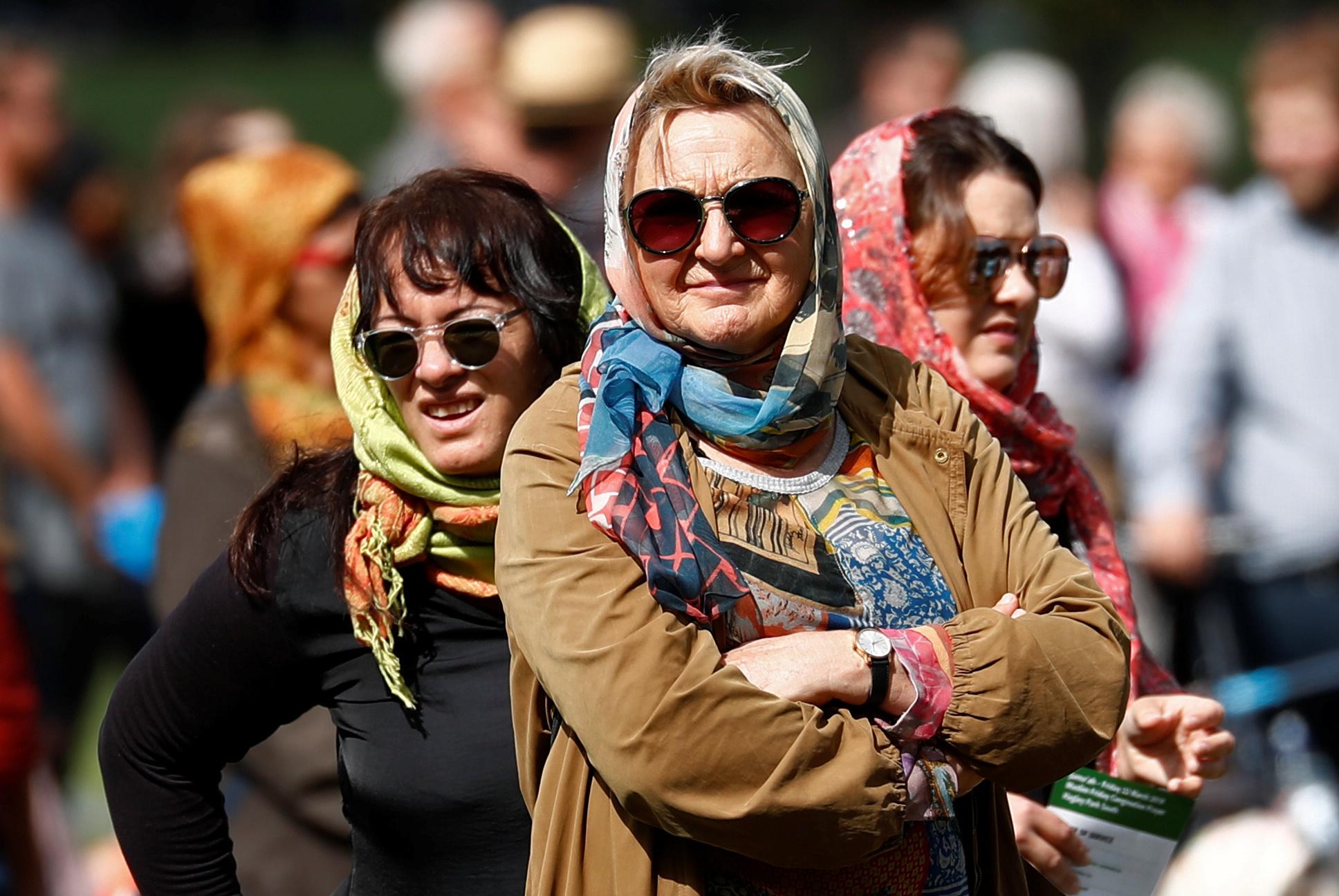 الآلاف فى تأبين ضحايا هجوم المسجدين بنيوزيلندا (1)