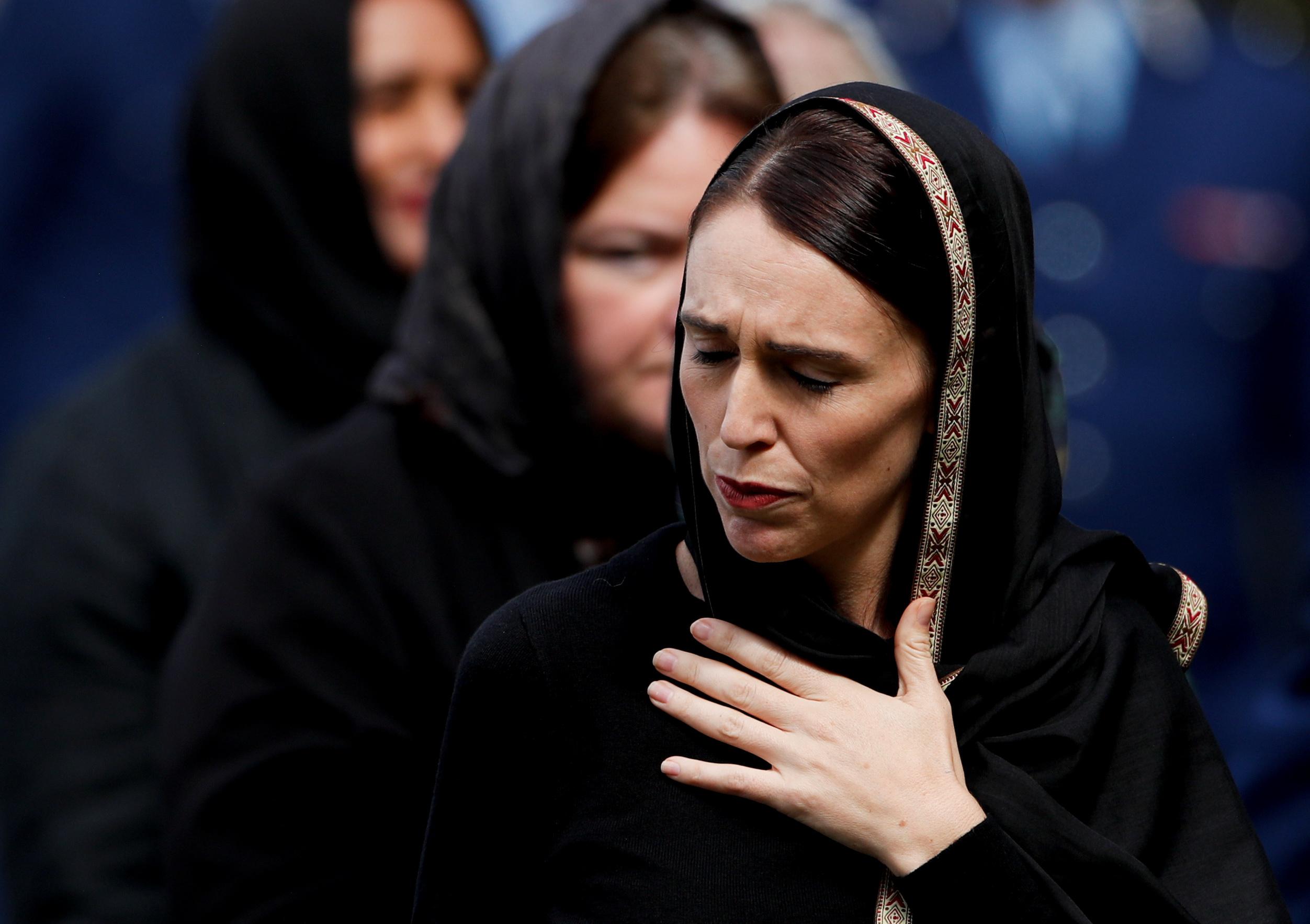 رئيسة وزراء نيوزيلندا تشارك فى أول صلاة جمعة بمسجد النور (2)